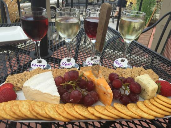Barrique Wine and Brew Bar: cheese plate, wine sampler - YUM!