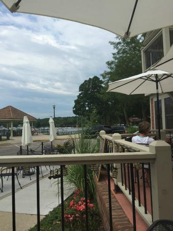 Barrique Wine and Brew Bar: view from patio