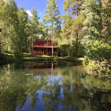Drowsy Water Ranch: Trout pond in front of Cabin #5 at DWR.