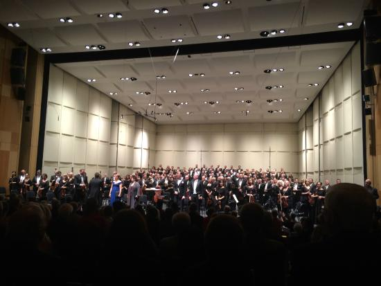 Phoenix Symphony : Performance with singers