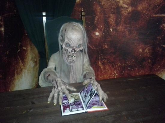 tales from the crypt ピジョン フォージ hollywood wax museumの写真