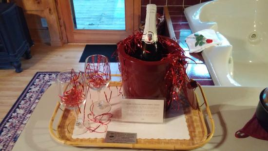 Percheron Paradise Romantic Hideaway: Welcome gift and note