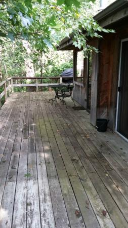 Percheron Paradise Romantic Hideaway: Great deck for relaxing with nature