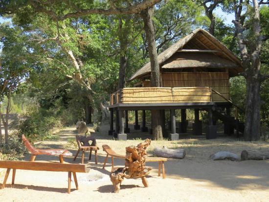 Chamilandu Bushcamp - The Bushcamp Company: Chalet #1