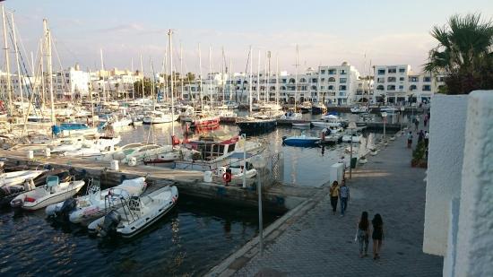 Marina Cap Monastir Apart'hotel: Vu sur la marina du balcon