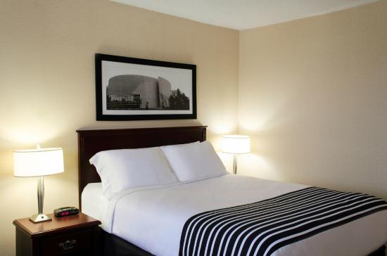 Sandman Hotel Saskatoon: Standard Queen Room