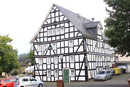 video blowjob bauer Hilchenbach(North Rhine-Westphalia)