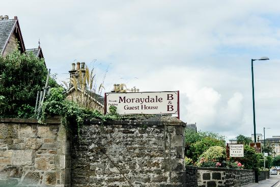 Moraydale Guest House: Man kann es kaum verpassen...
