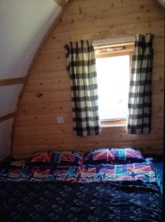 Stonefield Farm Holidays: Inside lodge ( bedding our own )