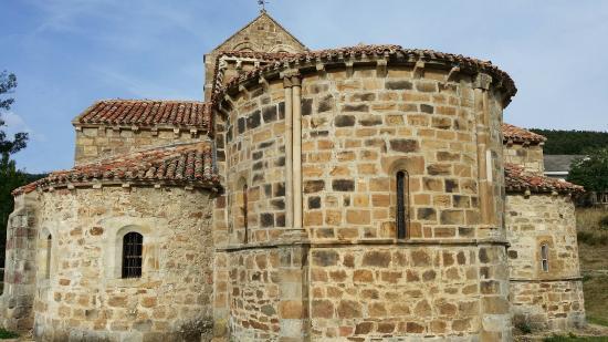 Iglesia Romanica de San Salvador de Catamuda