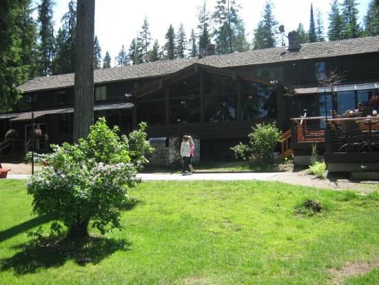 Hill's Resort lodge