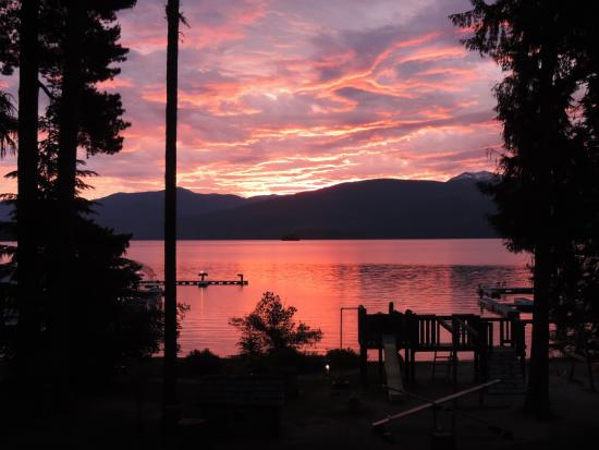Sunrise at Priest Lake and view from the lodge