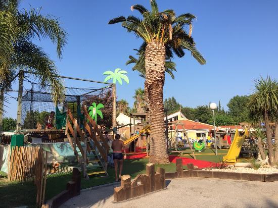 Camping Les Jardins Catalans: Nouvel aire de jeux