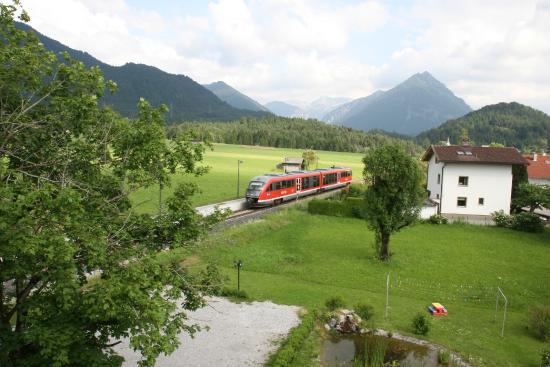 Hotel-Gasthof zum Schwanen: Uitzicht vanuit het hotel kamer raam