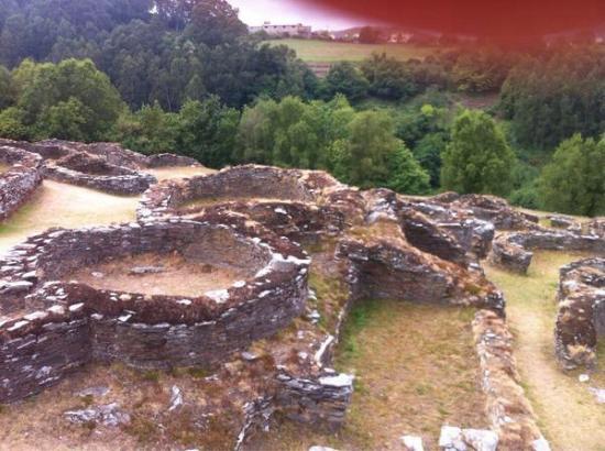 Palacio Arias: Castro de Coaña, muy cerca de Navia