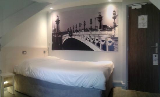 Hotel Campanile Rue Du Rendez Vous Paris