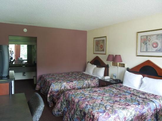 Americas Best Value Inn-Norfolk Airport Area: Double Room