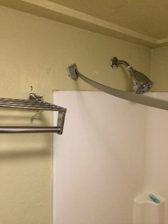 Quality Inn : Poor repair jobs; do it again.