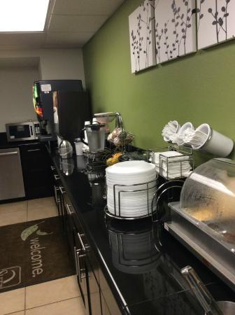 Sleep Inn: Breakfast bar