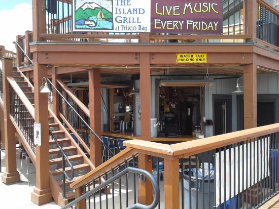 Island Grill: Tiki Bar