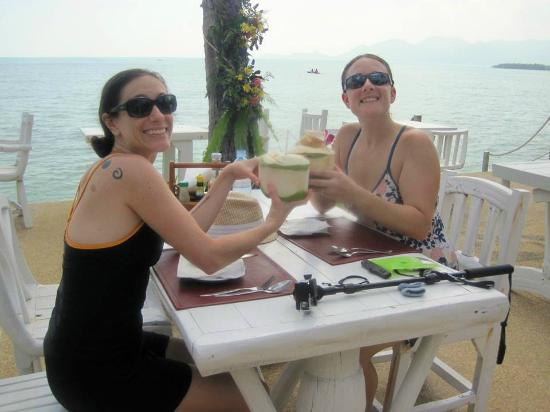 Papillon Resort: Coconut beverages!