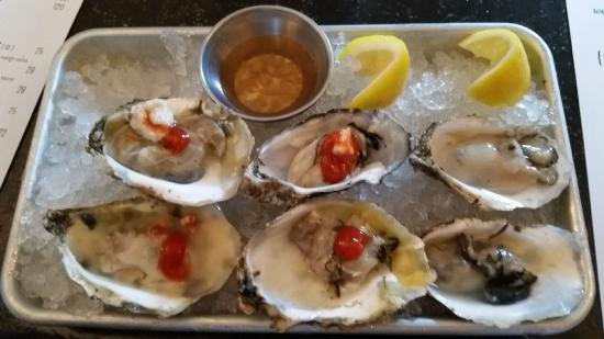 Dive Fish House: Oysters