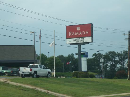 Ramada Batesville: Take access road to hotel.