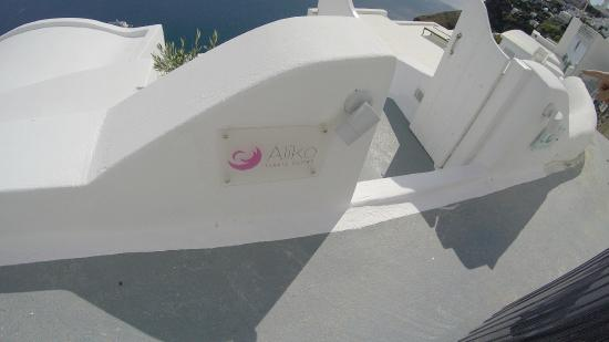 Aliko Luxury Suites: Entrance to suites