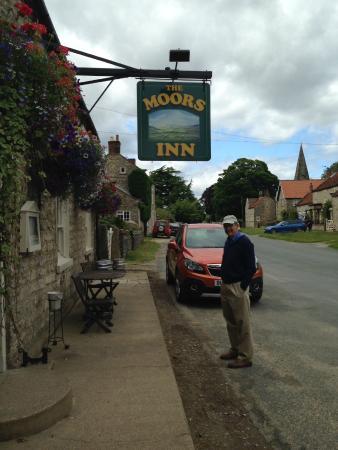 The Moors Inn : Front of Moors Inn