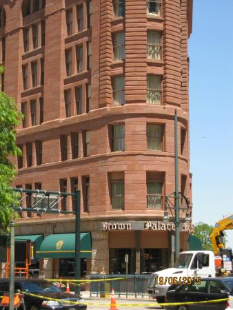 Ship Tavern: Brown Palace Hotel