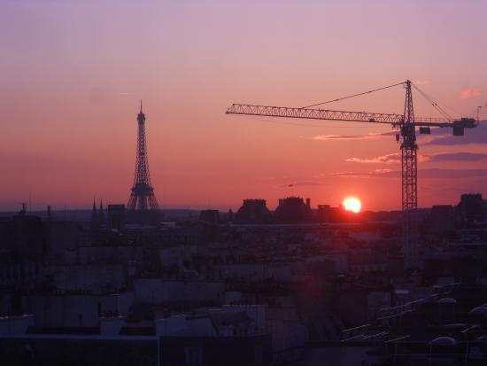 Paris, Frankrig: Atardecer desde el último piso del Centro Pompidou