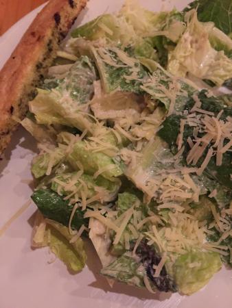 Q Smokehouse : chicken cajun and Cesar salad