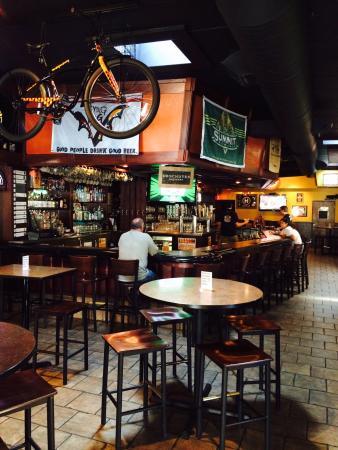 8th Street Ale House : photo0.jpg