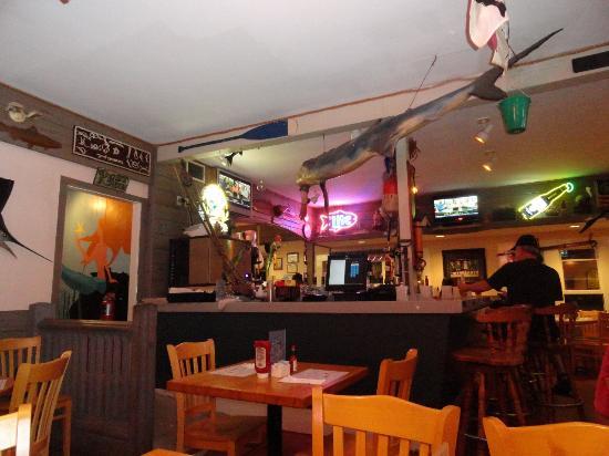 Salty's: Bar area