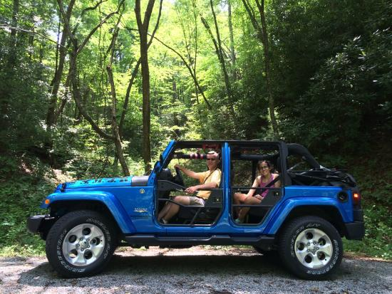 Smoky Mountain Jeep Rentals: Look Ma, No Doors!
