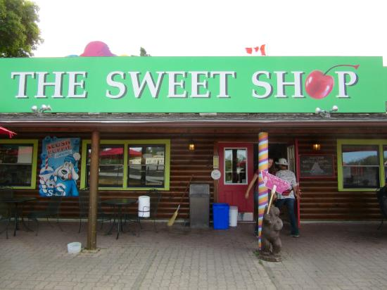 Tobermory, Canada: The Sweet Shop