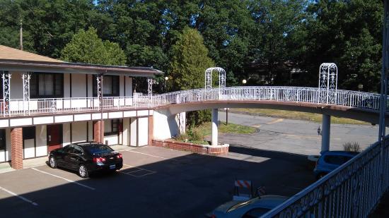 Red Roof Inn & Suites Hazleton: The bridge
