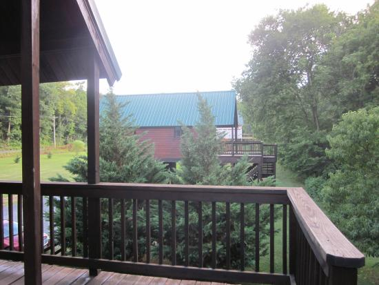 Gander Island Cabins: View from the Gander porch towards the other cabins