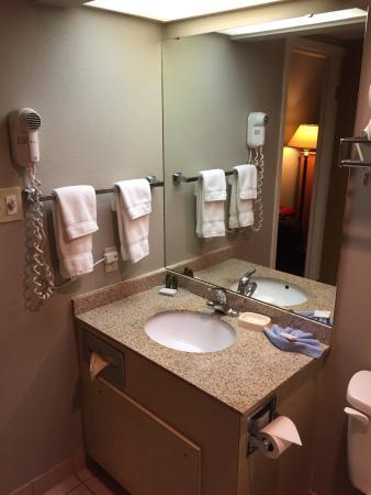 New Victorian Inn & Suites: Room #204