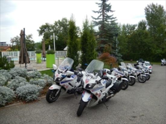 Mercure Annemasse Porte de Genève : ポリスのグループも利用。