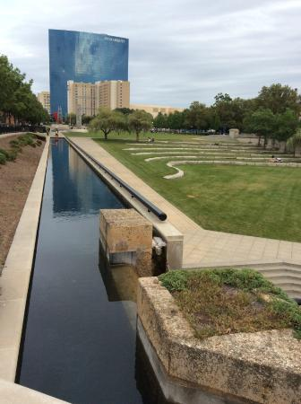 Sheraton Indianapolis Hotel at Keystone Crossing: downtown, canal walk views