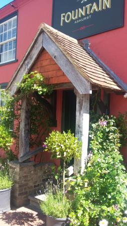 Ashurst, UK: The Fountain Inn