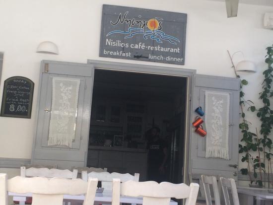 Nisilios Cafe Restaurant