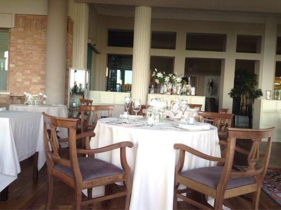 Treiso, Italy: Interni