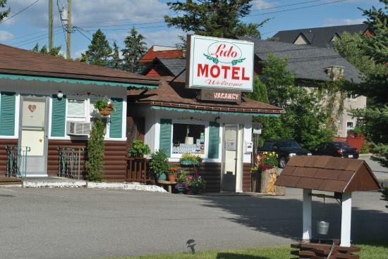 Lido motel radium hot springs canada voir les tarifs for Motel bas prix