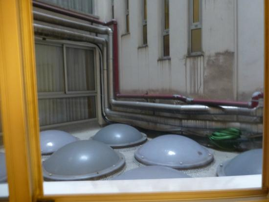 Ayre Hotel Ramiro I: Exhausts seeing through the window