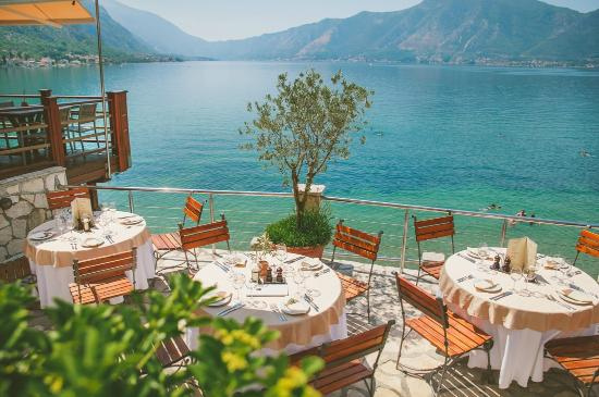 Casa del mare restaurant kotor restaurant reviews for Hotel design kotor