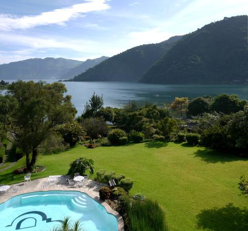 Our beautiful view of lake Atitlán from the hotel's restaurant (144544243)