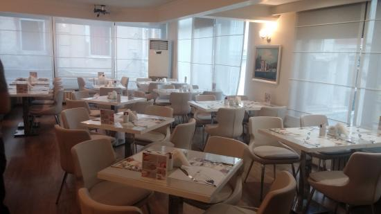 Taximtown Hotel: Breakfast Room