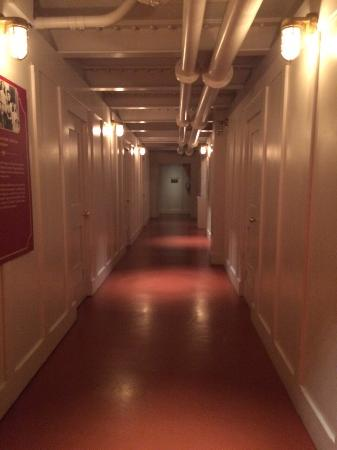 I Took A Sneaky Pic Of The 3rd Class Corridors Looked